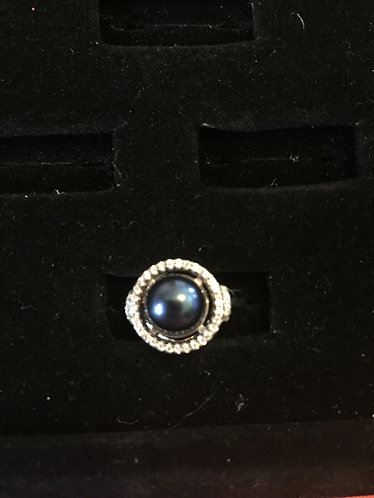 round ring with blue pearl
