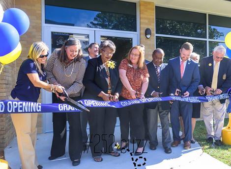 Elmhurst Elementary's new gym is unveiled
