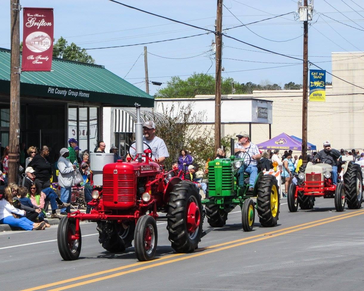 shad parade tractors