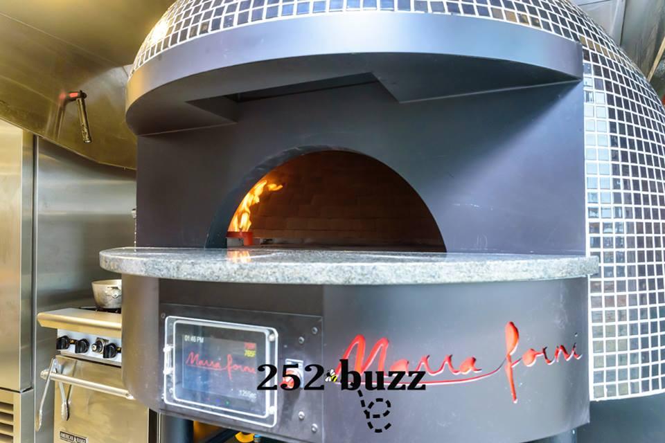 Luna Pizza Cafe's Marra Forni brick pizza oven