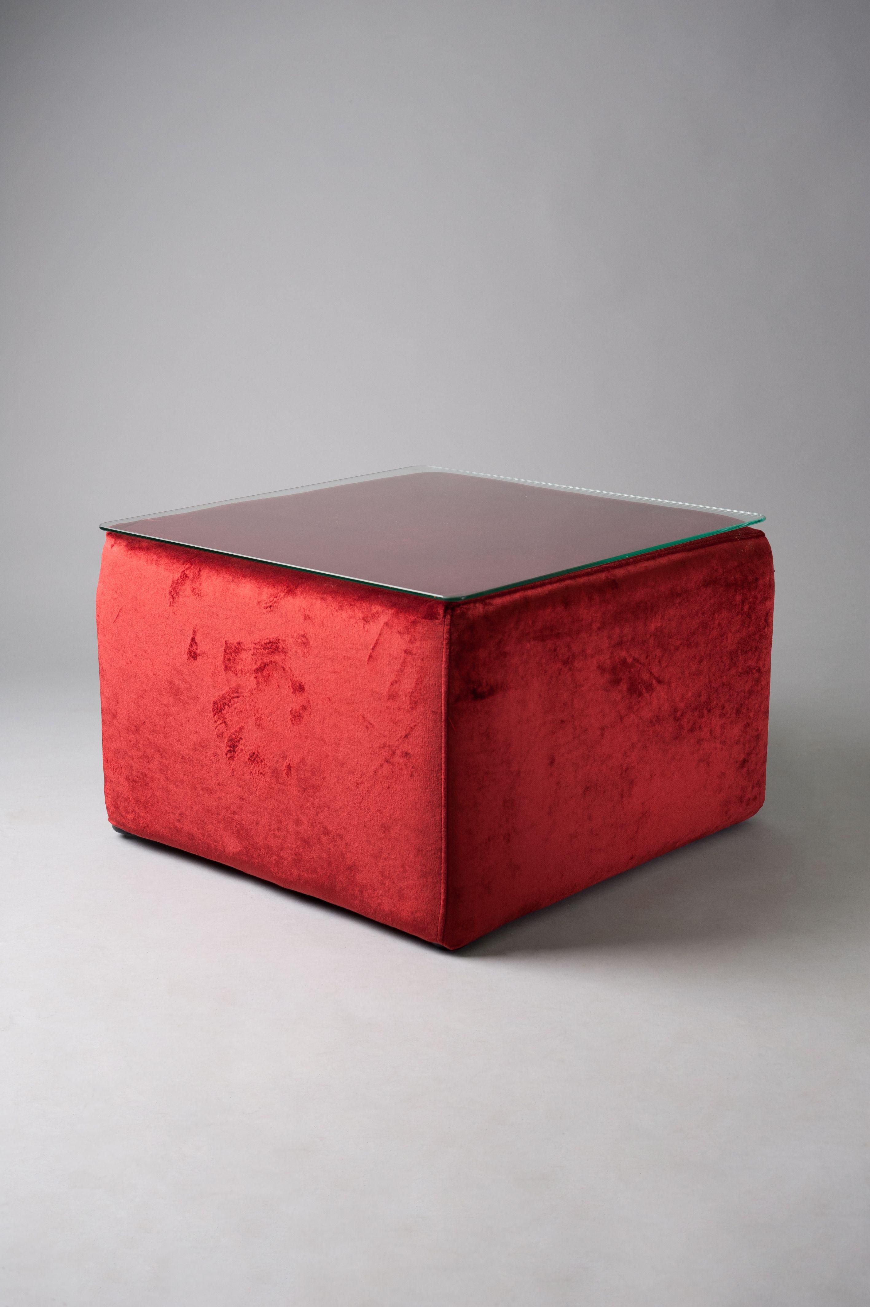 Red velvet pouf table  (2)