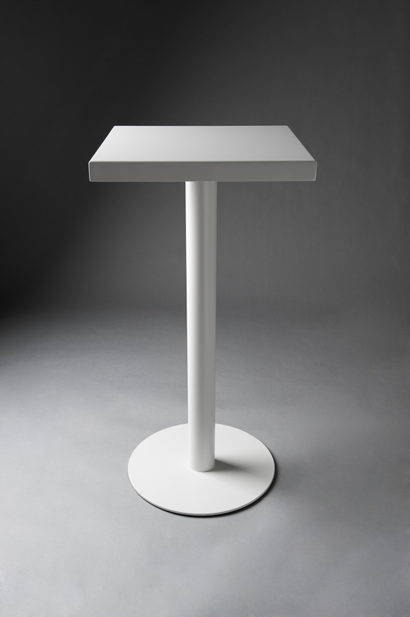 POSEUR TABLE WHITE