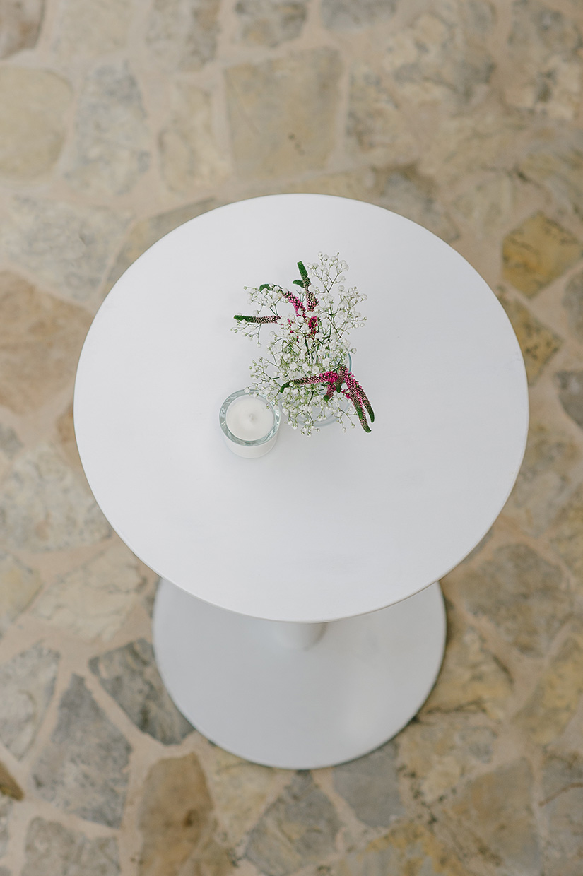 WHITE ROUND POSEUR TABLE