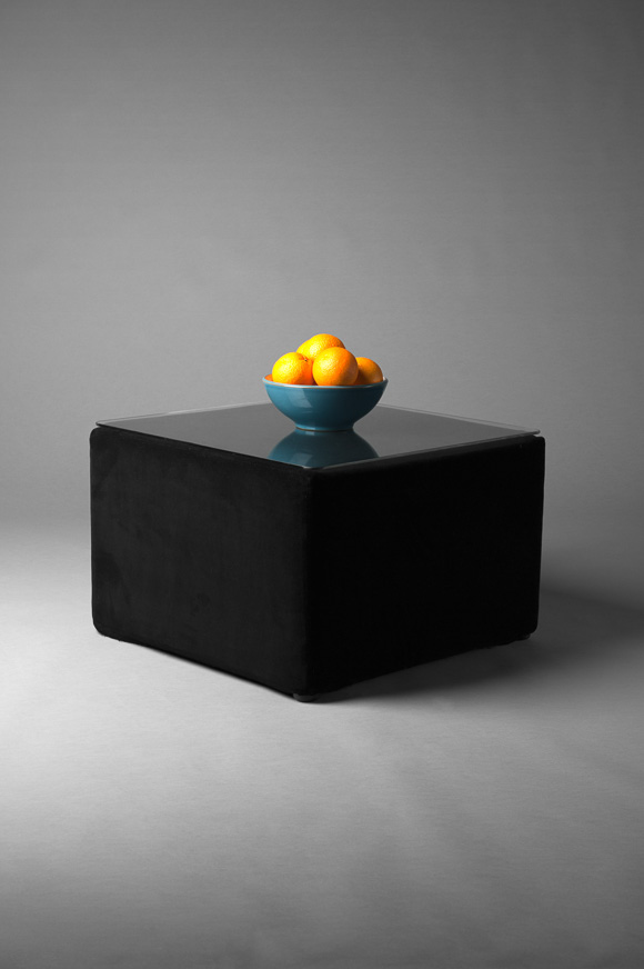BLACK VELVET SQUARE POUF TABLE