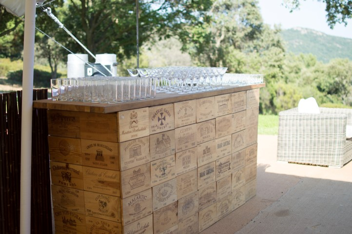 WINE BOX BAR