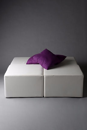WHITE SQUARE DAYBED