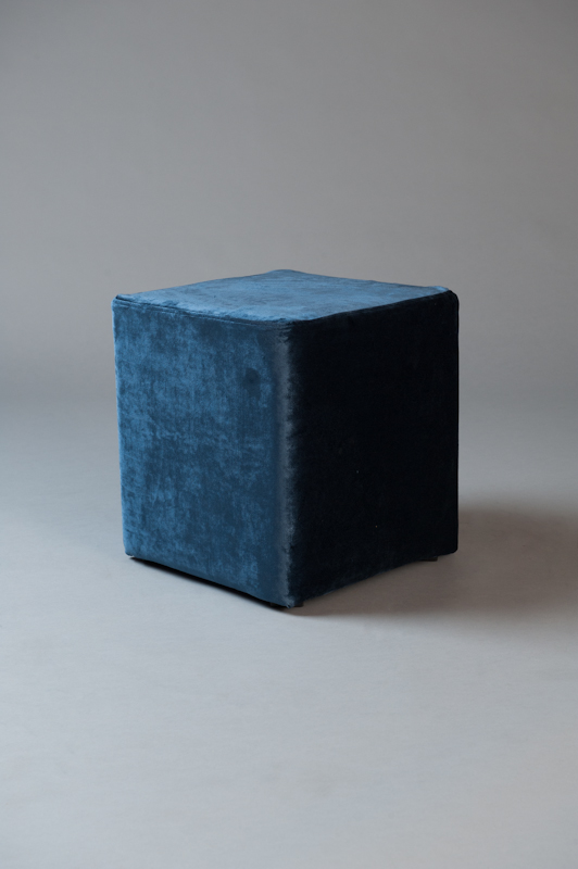 Small square pouf blue velvet living