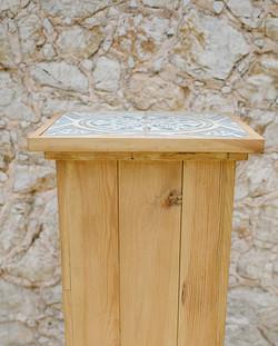 BALDOSA POSEUR TABLE