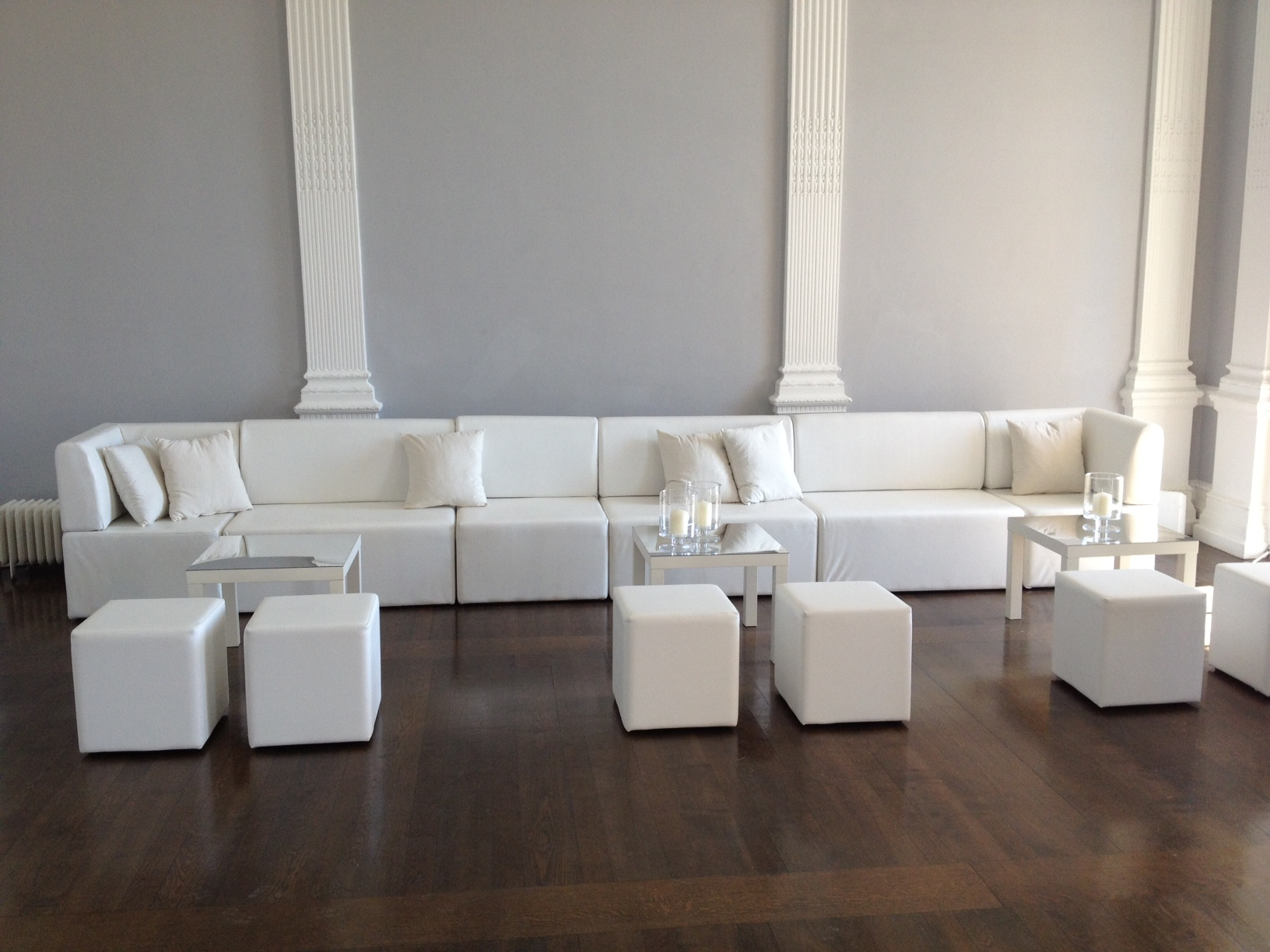 WHITE SOFA & POUFS