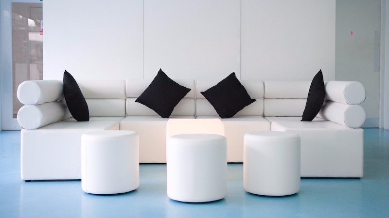 SMALL ROUND POUFS