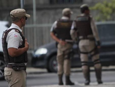 Polícia prende três pessoas com drogas e arma de fogo em Cipó