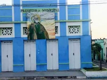 Após demissão, justiça determina volta de diretora à Escola municipal em Heliópolis