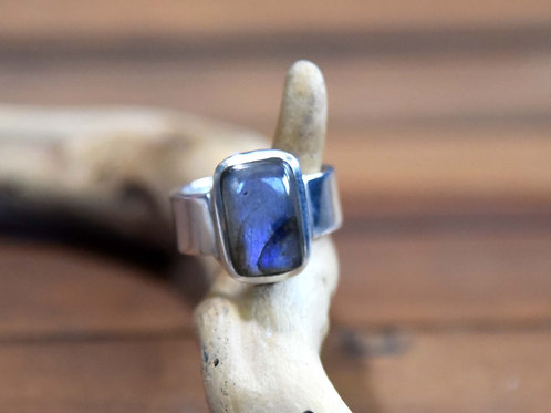 Blue Labradorite Ring - Sterling Silver - Size: 7.5