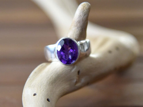 Amethyst Ring - Sterling Silver - Size: 8