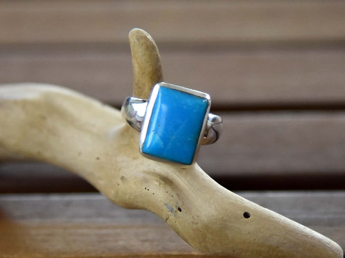 Kingman Turquoise Ring - Sterling Silver - Size: 8