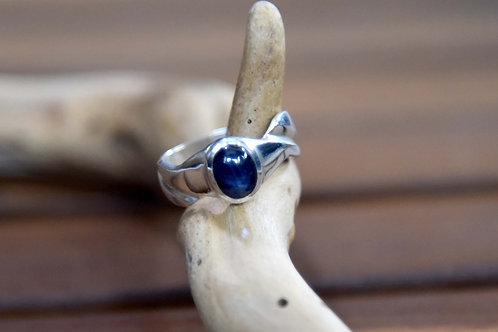 Blue Sapphire Ring - Sterling Silver - Size: 8.5