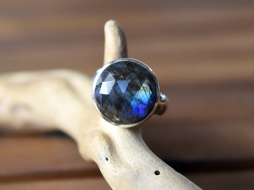 Blue Labradorite Ring - Sterling Silver - Size: 7