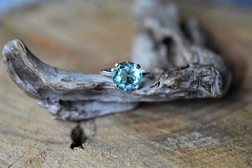 Blue Topaz Silver Ring - Size: 8 1/2