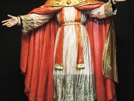 O Deus escondido, o soberano sacerdote