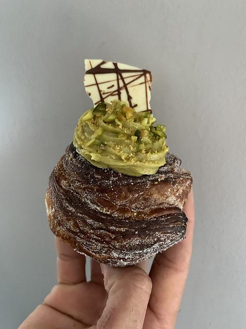 Pistacchio + White Chocolate Cream Cruffin