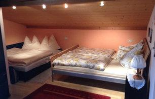 Schlafzimmer II OG mit Ausziehcouch