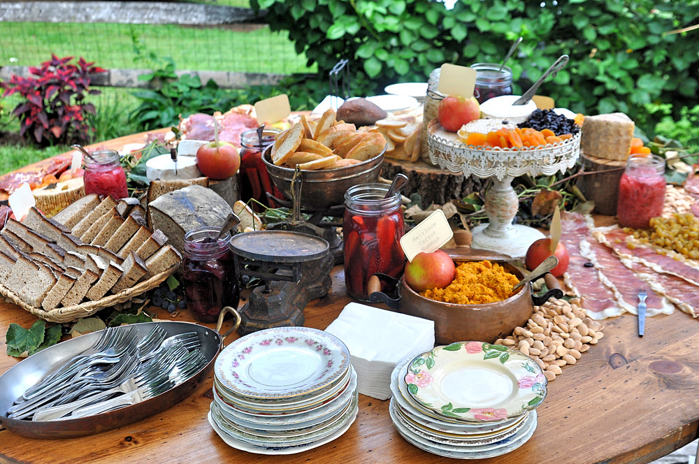 Heirloom Fire Stationary Appetizers. Photo: Magdalena Events
