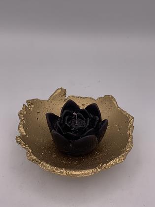 Lotus avec coupelle en ciment