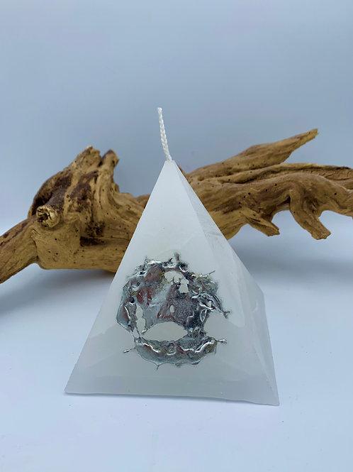 Pyramide étain
