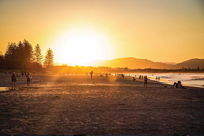 sunset-main-beach-byron-bay-aloha-courtesy-tourism-australia