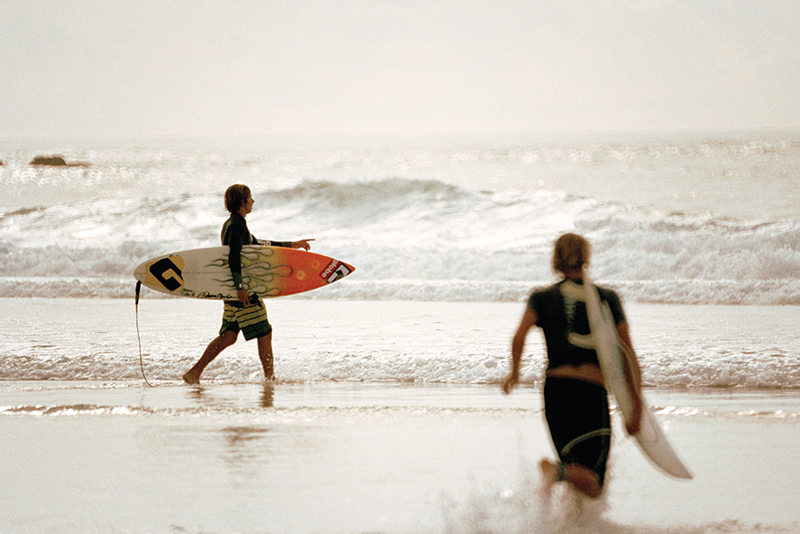 surfing-byron-bay-aloha-courtesy-tourism-australia