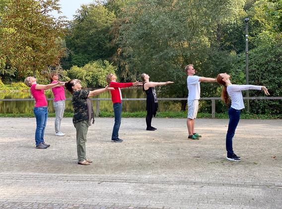 "Gruppe ""Dance In Dance Out"" Rombergpark Sommer 2020"