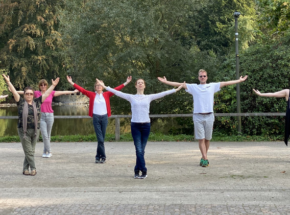 """vGruppe """"Dance In Dance Out"""" Rombergpark"""