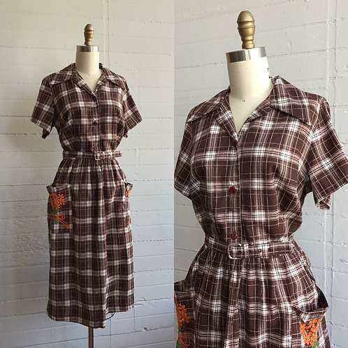 1970s Brown and White Plaid Day Dress with Embroidery - Medium / Large