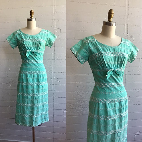 1950s Embroidered Wiggle Dress - Small