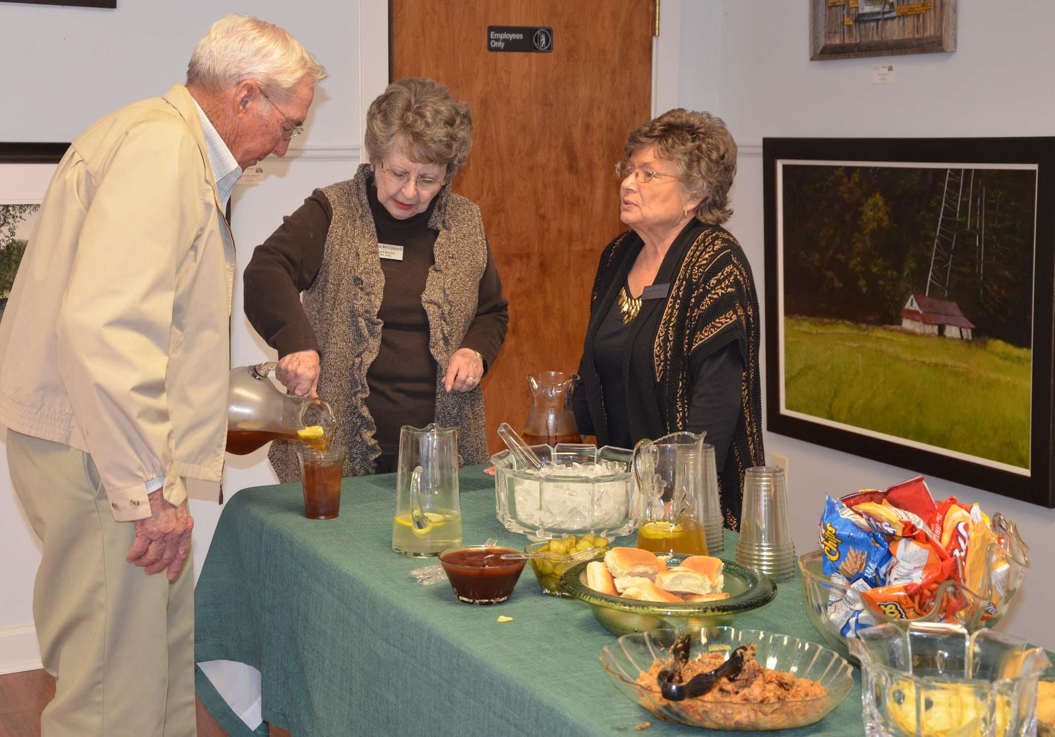Wayne Helms, Sylvia and Janice