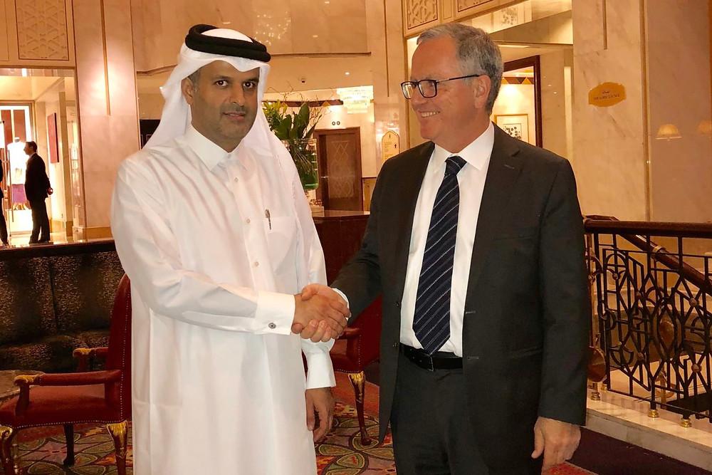 Georges Sioufi, président du cabinet d'avocats SRDB, Sheikh Al Thani, fondateur du cabinet Al Thani Law Firm et Minas Khatchadourian, président de la chambre d'arbitrage du Qatar ©SRDB