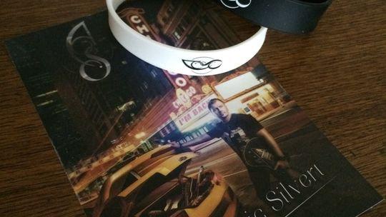 """Album """"I'm Back"""" en bracelet USB"""