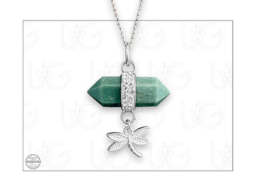 Dije de jade rodeado con cristales Swarovski y libélula de plata