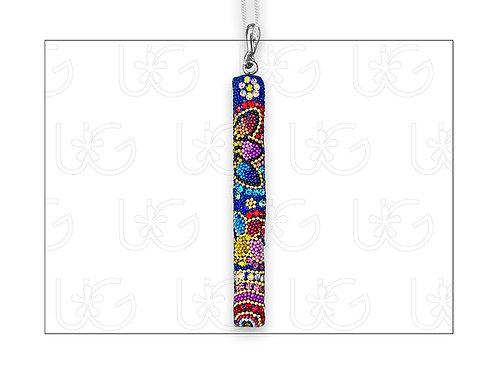 Dije barra huichol vertical GRANDE, elaborado en plata, cristales y mic
