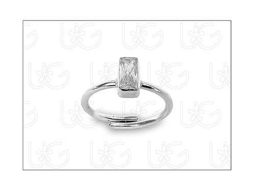 Anillo de plata .925 ajustable con zirconia en forma de rectángulo, chico.