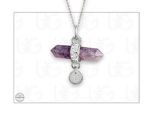 Dije cuarzo amatista rodeado con cristales e inicial personalizada de plata