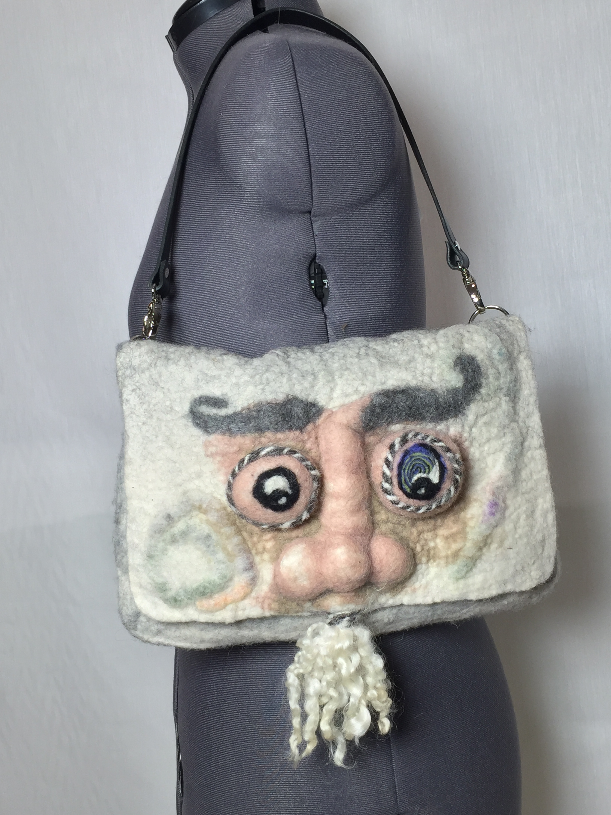Eye-pad  Wet- felted bag