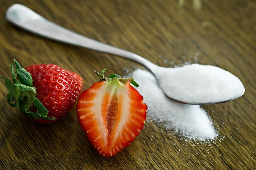 Łyżka z cukrem, cukrowy detoks