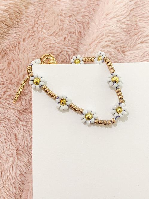White Beaded Daisy Bracelet
