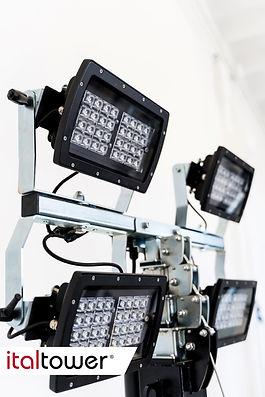Fari 4x320W o 4x75W LED Towerloop
