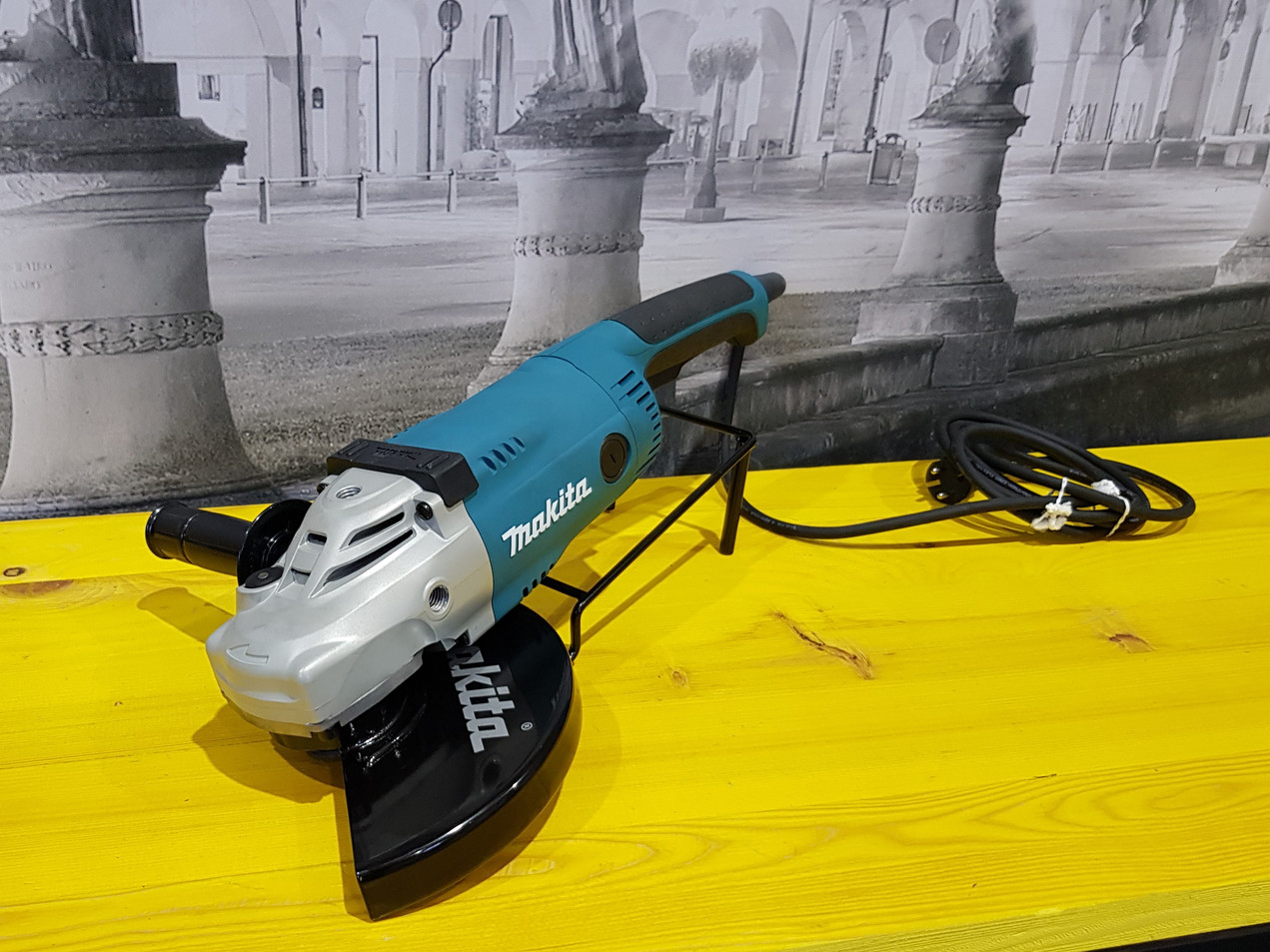 Smerigliatrice angolare230 mm GA9020