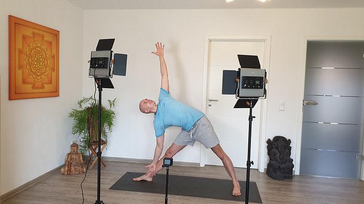 Yoga-Online im Januar (Zoom und Online-Videothek)