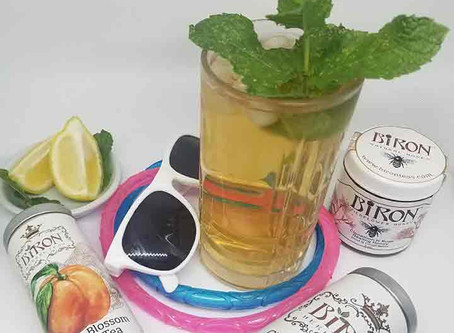 How to Make the Word's Best Pool Perfect Iced Tea