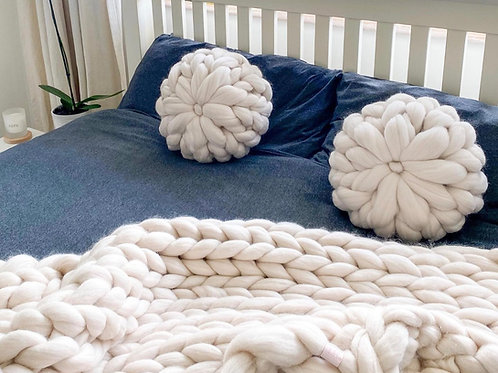 Merino  Chunky Knitted Circle Cushion