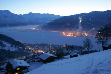 Zell am See at night in winter